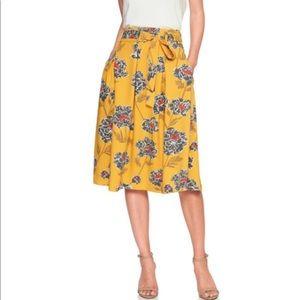 BR Yellow Floral Tie-waist Pleated Midi Skirt